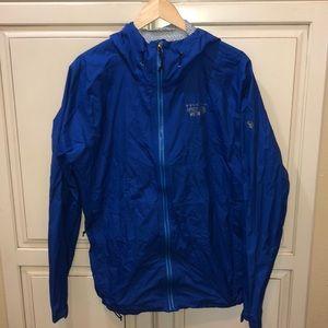 Mountain hardware hooded raincoat